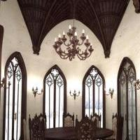 Эркер в готическом стиле